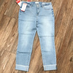 NEW Jessica Simpson Relaxed Skinny Crop Jeans